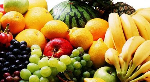 多吃新鲜的水果蔬菜,增强维生素A、维生素B1、维生素C、维生素E
